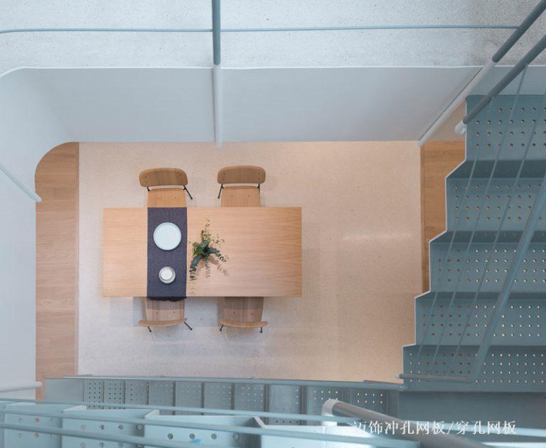 穿孔铝板/冲孔铝板楼梯