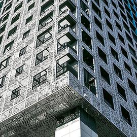 方孔穿孔铝板装饰的办公大厦