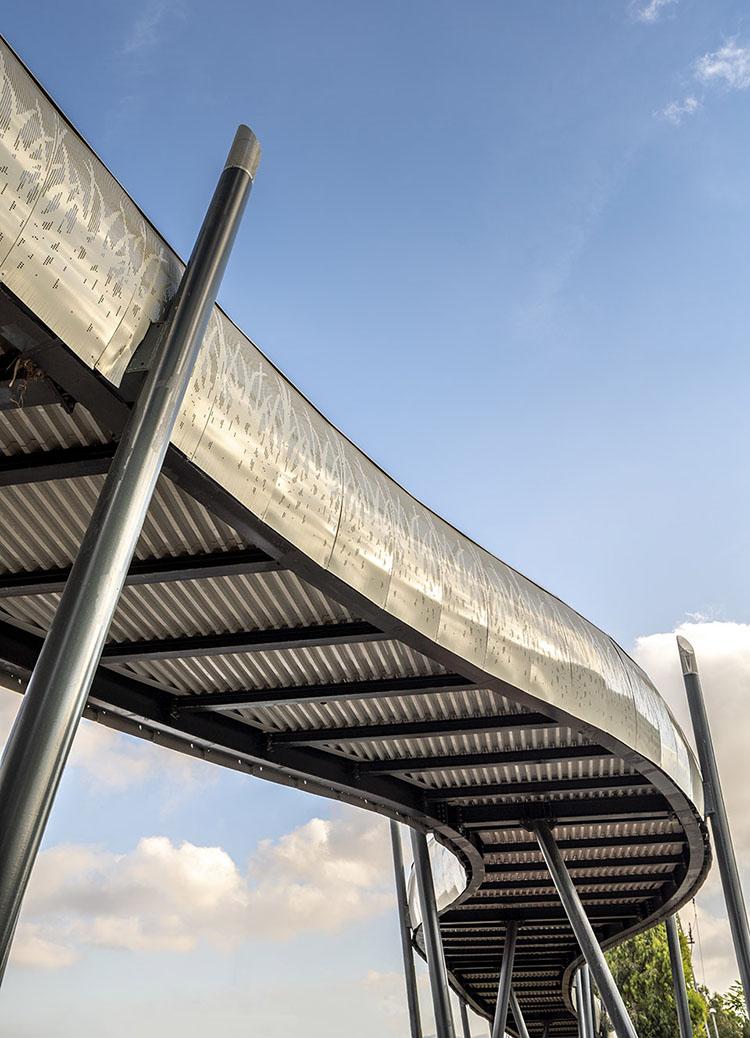穿孔铝板桥梁护栏