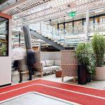 圆孔穿孔铝板打造的办公室走廊吊顶